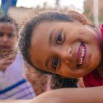 Crianças brincando na Praça Do Lixo ao Luxo, na Iputinga